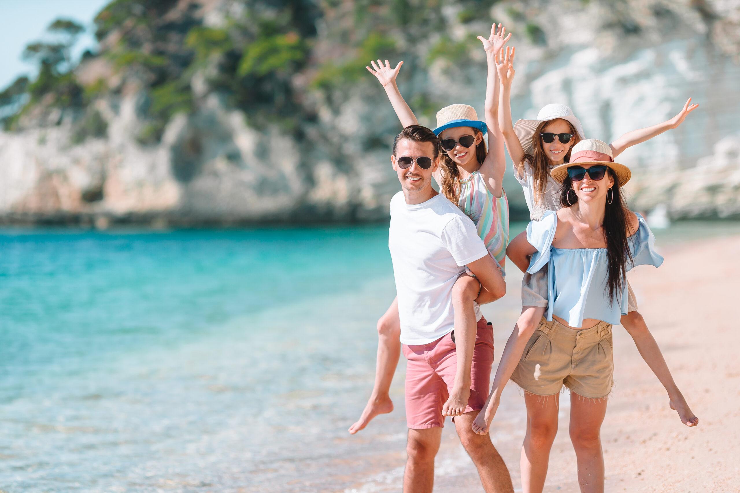 playa con personas - reservaplaya.es